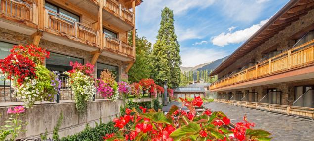 Detalle flores del Hotel Rutllan & Spa