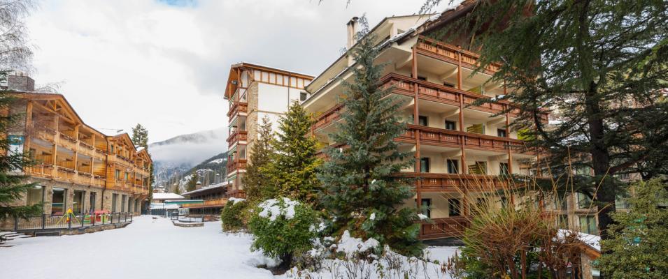 Snow exterior Hotel Rutllan & Spa