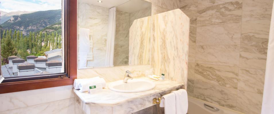 Salle de bain CHAMBRE DOUBLE STANDARD Hotel Rutllan & Spa