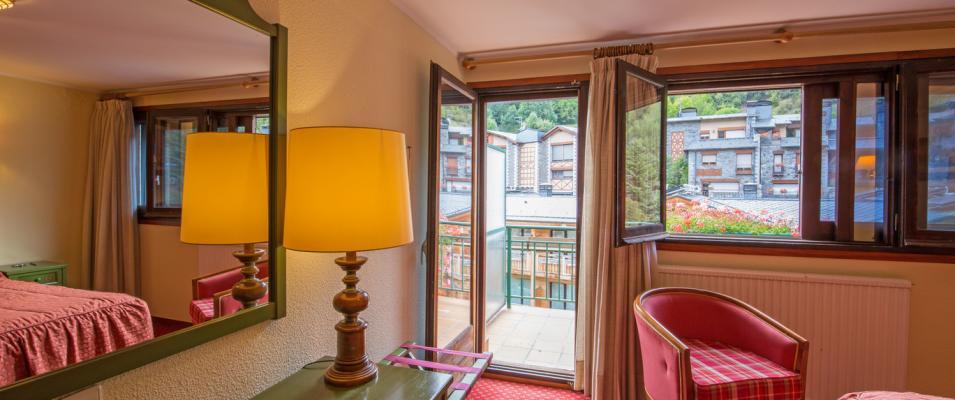 Balcón de Habitación doble standard Hotel Rutllan & Spa